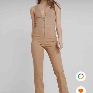 Säljer denna fina jumpsuit från tiger mist, använd en gång. Säljer pågrund av använder inte så mycket jag önskade. Frakt tillkommer