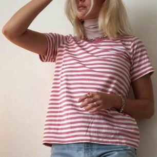 Rosa randig tröja från COS, fint sick!