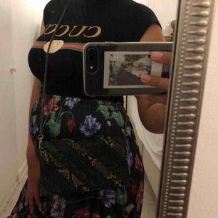 Helt ny väska från Zara, nypris 199 mitt pris100kr  Frakten betalar köparen, tar swish