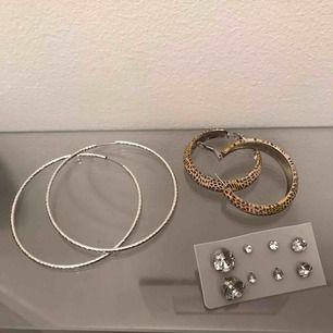 Pris går att diskutera  Silver ringar 20kr leopard ringar 10kr diamant örhängen 10kr