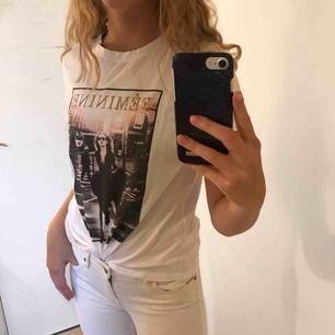 Vit t-shirt med tryck!! 💫