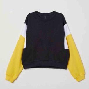 Block sweatshirt  Från H&M Inte mycket använd  Frakt tillkommer!