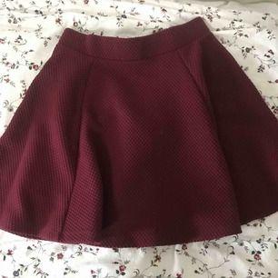 En kjol från H&M  Priset inkl frakten