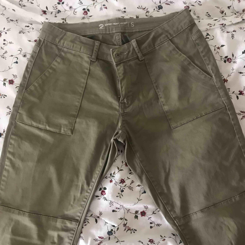Sköna byxor priset inkl frakten:). Jeans & Byxor.
