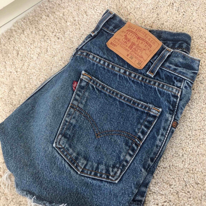 Jeansshorts från Levi's, supersnygga på :). Shorts.