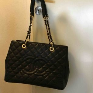 Chanel väska Kopia i kanon skick.