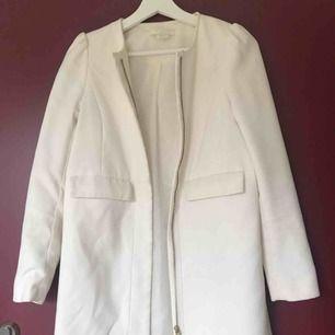Fin vit kappa från HM, köparen står för frakt✨