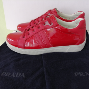 Prada Women sneakers, like new, dustbag, authentic,  size 37/ insole 24cm, write me for more info