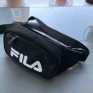 Min lilla sommar baby har den här väskan varit!  Skicket är som ny.