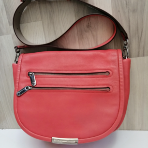 Marc by Marc Jacobs bag, very good condition, authentic color coral pink, size: 31x26cm, write me for more info