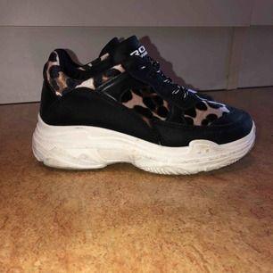 Leopard skor från booho, använt men fint skick! Kan mötas upp i Malmö men även frakta. Köparen står för frakten:)