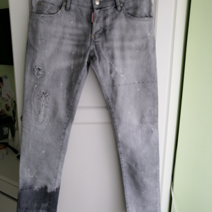 Dsquared2 Women Jeans slim fit, excellent condition, size IT40, W29, waist:88cm, length: 94cm, rise: 22cm, write me for more info