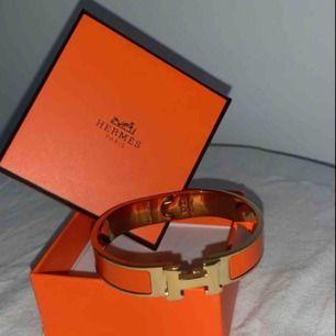Orange/guldigt Hermés armband inkl original asken!  Köpare står för frakt 🌾