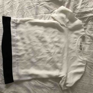 T shirt i tunt silkigt material