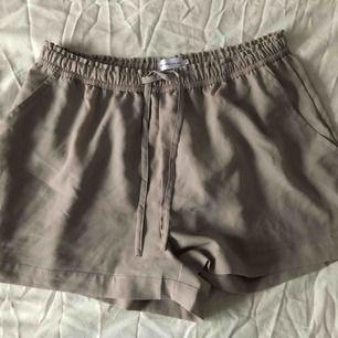 Shorts i tunt skönt material