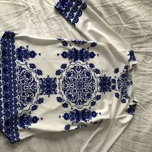 Kort klänning/ blus storlek XS/S