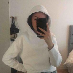Skitnice vit hoodie från zara, 150 kr inklusive frakt💖