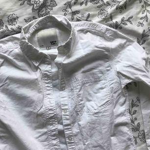 superfin figurnära skjorta från lager157, storlek S!