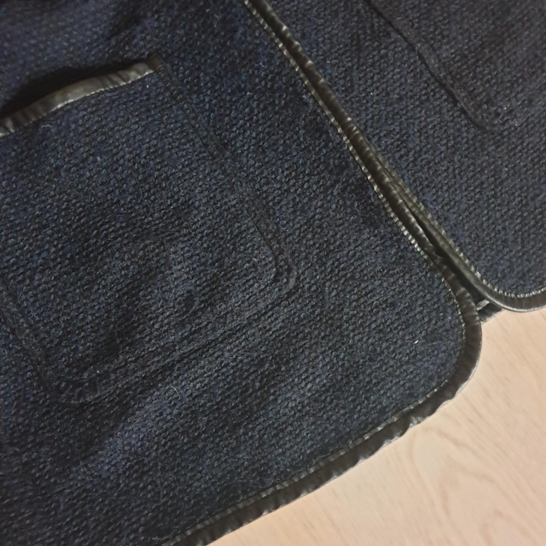 En fin mörkblå kappa i storlek M, men passar även S. Lagom varm nu till hösten. 150kr inkl. frakt 🤗. Jackor.