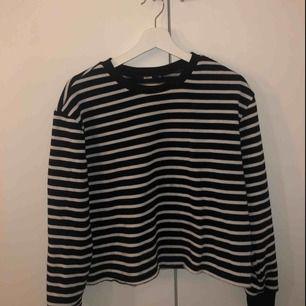 Jätte mysig randig tröja från bikbok, Lite nopprig men ändå inte mycket använd Köparen står för frakten