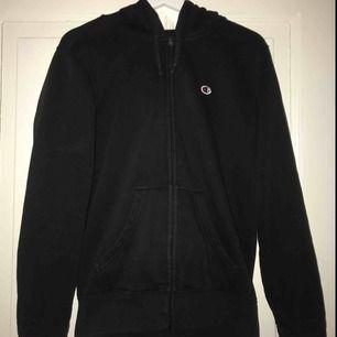champion zip up hoodie, bra skick! frakt tillkommer på 70kr💕 passar både killar o tjejer