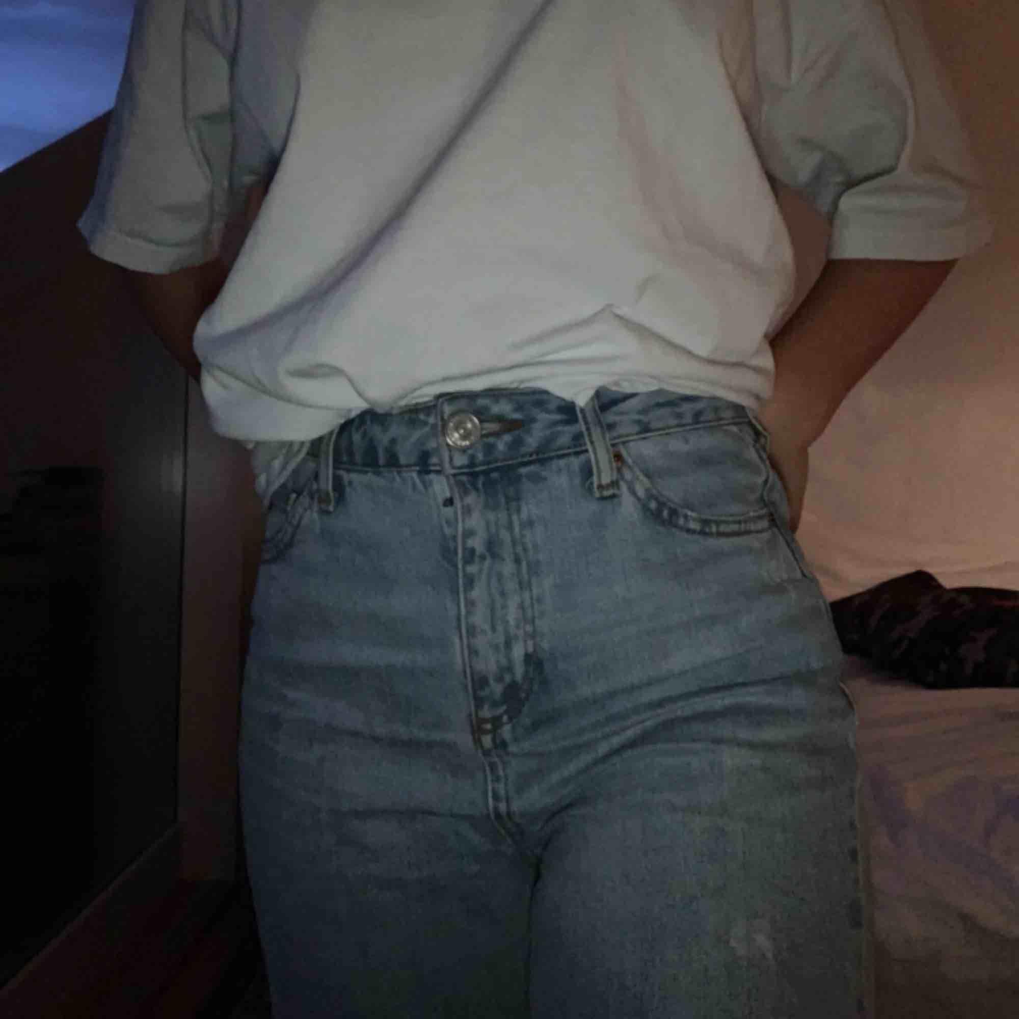 Urban outfitters jeans köpta i vintras 💗 kan mötas i Stockholm eller frakta . Jeans & Byxor.