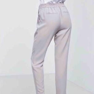 Kostymbyxor från Gina, använda vid två tillfällen, nyskick! 110 inkl frakt:)