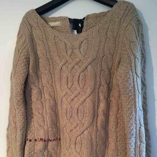 Jättesnygg stickad odd molly tröja i storlek 1! Felfri, säljer pga den används aldrig, tyvärr!