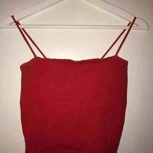 Rött linne från Gina tricot 💛