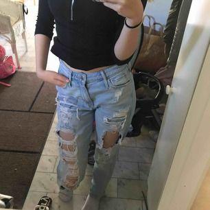 Fina mom jeans, frakt står köpare för