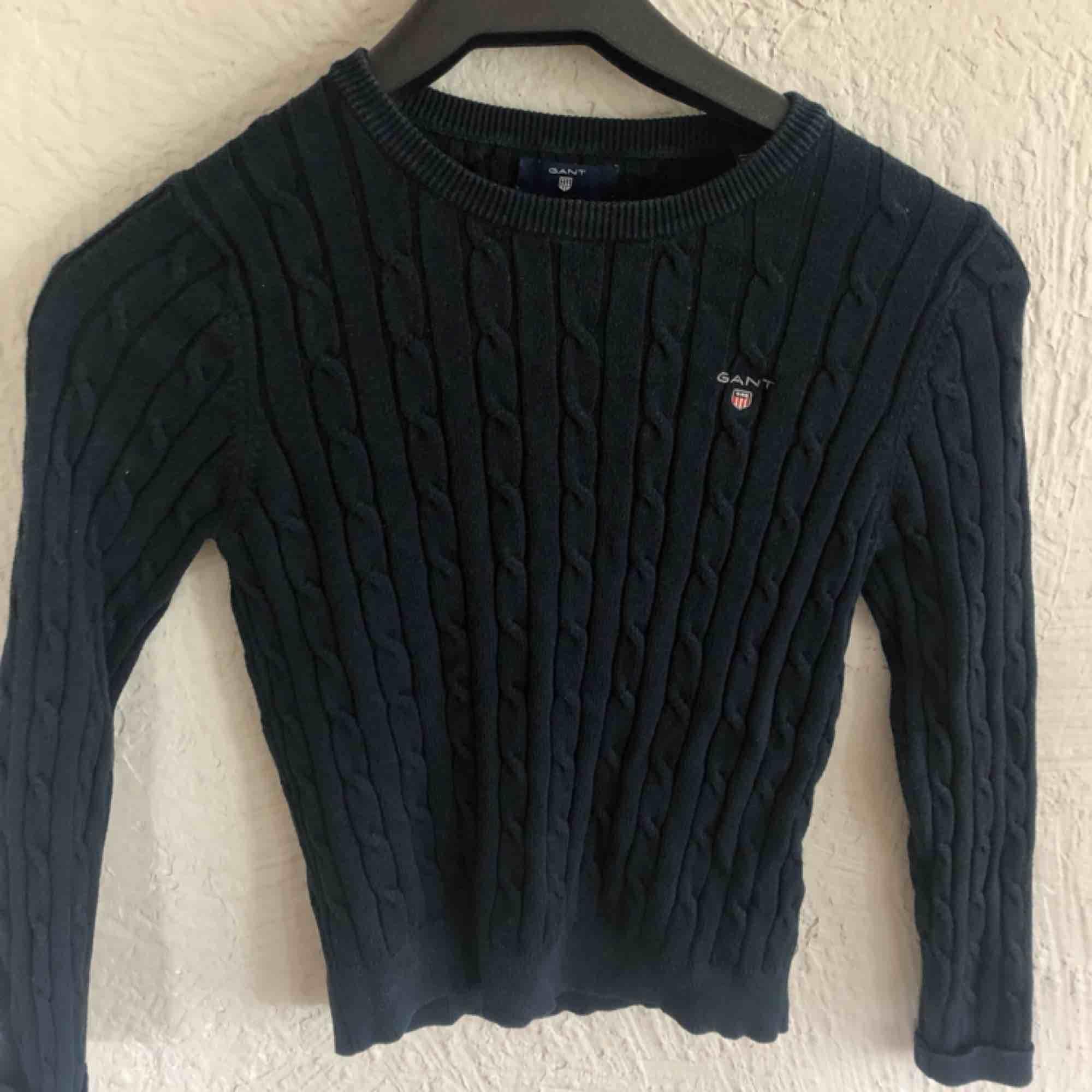 Gant tröja i fint skick, använd fåtal gånger. . Stickat.