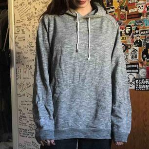 basic grå hoodie