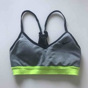 Sport-bh från Nike i strl. XS Frakt ej inkluderat i pris