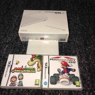 Säljer mitt gamla Nintendo DS lite som är i nyskick, det köptes för 1400. 2 pekpinnar, 2 mario-spel och laddare ingår. Frakt betalas av köparen!😌