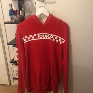 Justin Bieber hoodie från h&m. Säljer pga ingen användning. <3