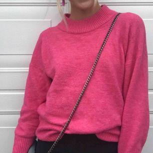 Rosa stickad tröja i ull💕✨ köparen står för frakt.
