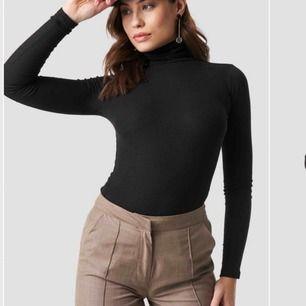 Polo tröja från NAKD. Använd en gång. 70kr + frakt.