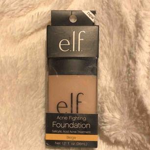 Elf acne fighting foundation som ej säljs längre. Min favorit foundation och säljer denna pga fel färg för mig. Färg: beige