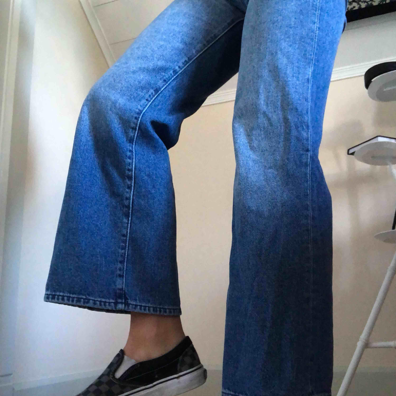 Sköna & snygga, säljer pga har redan liknande, passar 34/36, fakt tillkommer :-p. Jeans & Byxor.