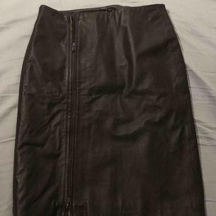 Skinn kjolen från Wera Stockholm