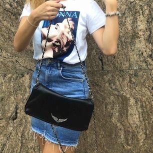 T-shirt från Hm med Madonna tryck.  Fint skick!