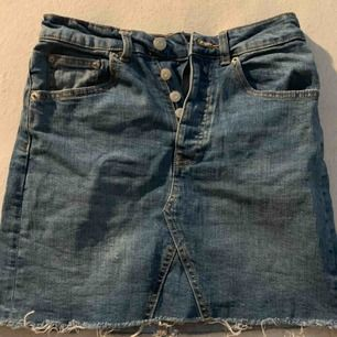 Jeans kjol, använd ca 3 gånger, storlek xs