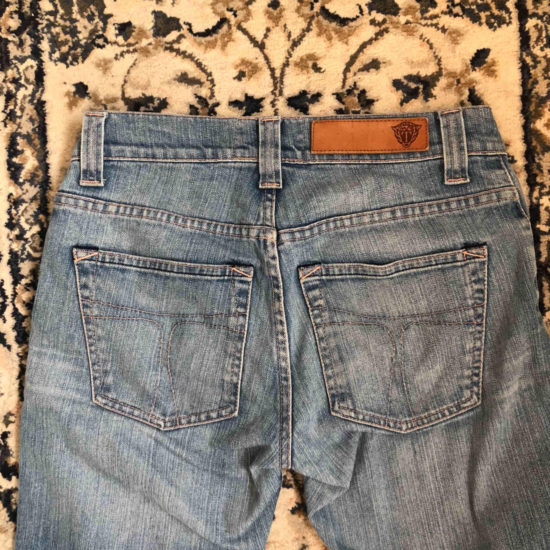 jeans från tiger of sweden. frakt tillkommer!!💙. Jeans & Byxor.