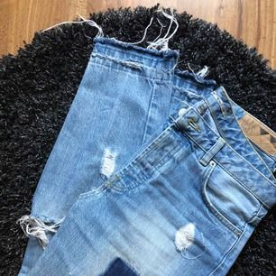 Snygga boyfriend jeans storlek S, fint skick!!
