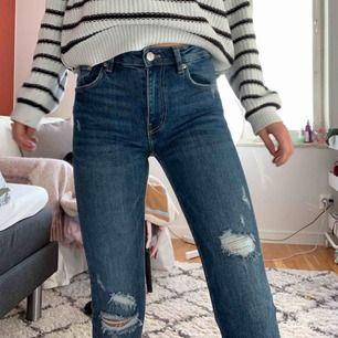 Inpricip nya jeans från zara, köpta för 350kr säljer för 120kr inklusive frakt