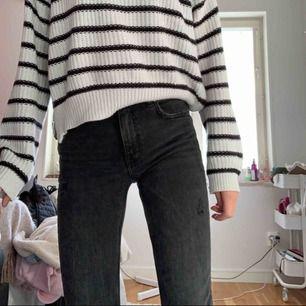 Inpricip nya jeans från zara, köpte för 350kr säljer för 120kr inklusive frakt