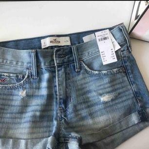 3 par shorts från hollister. 2 par HELT oanvända med prislapp kvar. Köp alla 3 för 400 eller 1 par för 150. Frakt ingår om du köper alla tre annars kostar den dig 60 kr. Kan även mötas upp om det skulle önskas