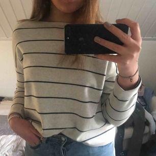 Randig tröja från HM, gott skick :)