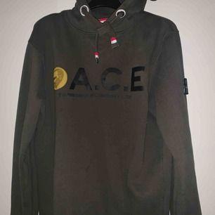 Säljer min A.C.E hoodie som jag köpte för 1000 kr och inte använt så mycket:)