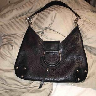 Footlight svart handväska i nyskick